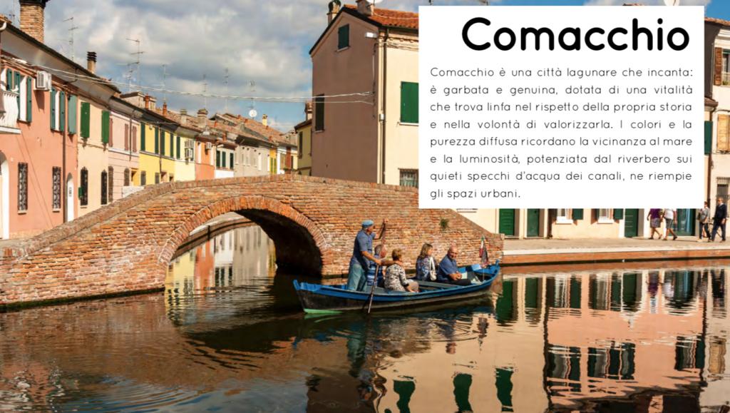 Comacchio Destinazione per tutti una barca solca l'acqua sui canali del centro storico